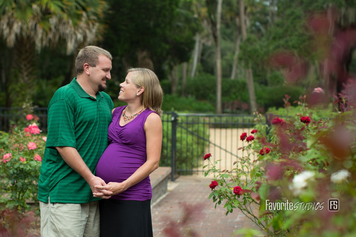 © Favorite Photography, Rose Garden Maternity, Palm Coast, Maternity Pose