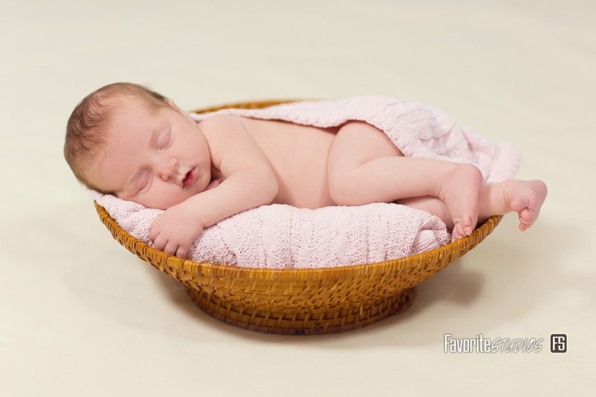 © Favorite Photography, Cute Baby, Girl Studio Pose, Baby in Basket, Newborn Blanket