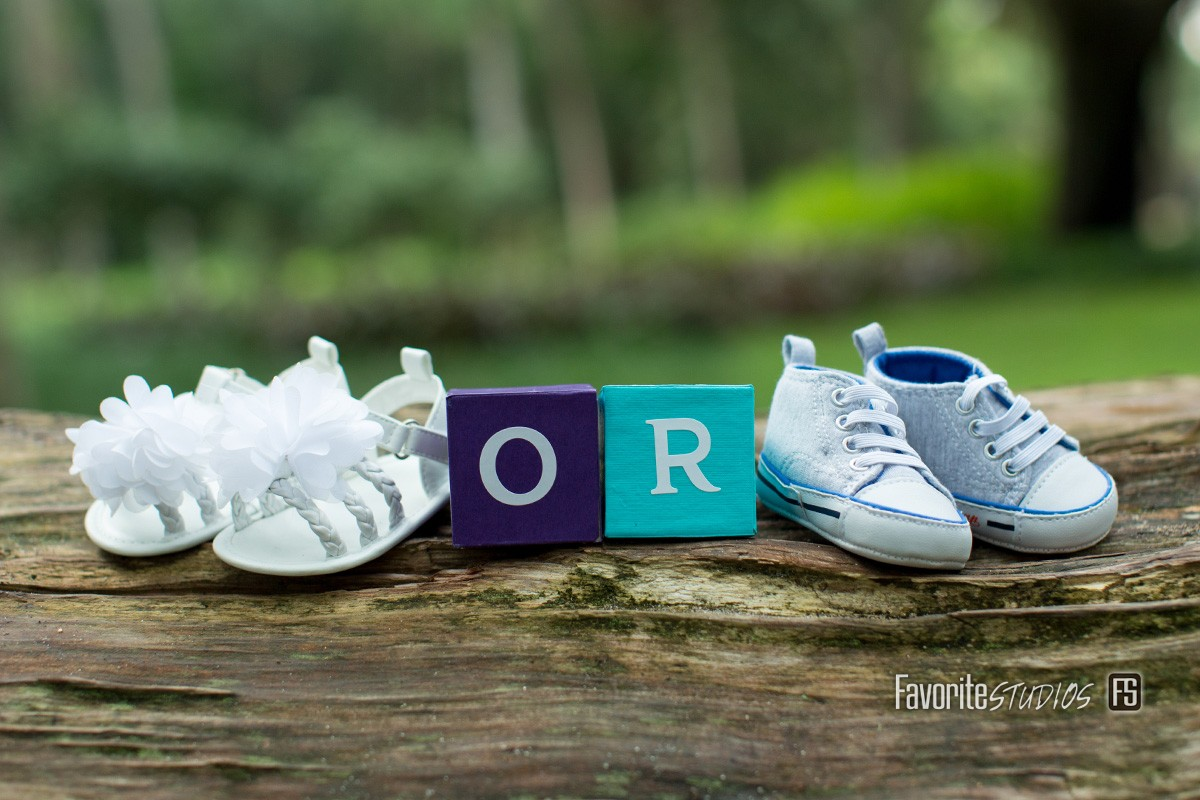 © Favorite Photography, Boy Girl Maternity, Detail Shot, Outdoor, Cute Maternity Detail